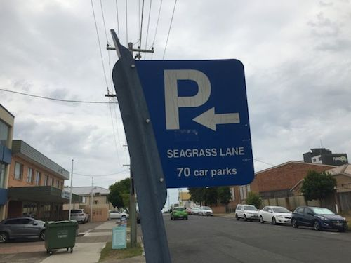 Parking and jaywalking in Wynnum Central